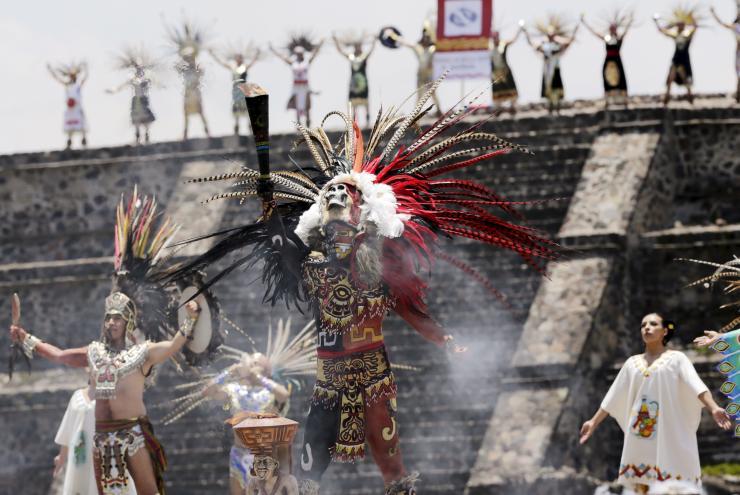 vestimenta ceremonia maya