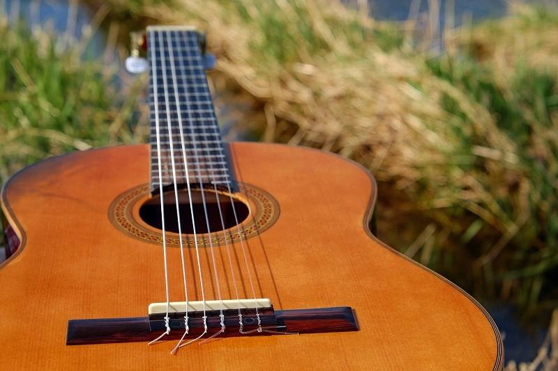 consejos para cuidar y mantener una guitarra