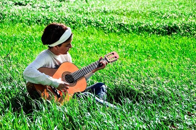 consejos para cuidar una guitarra espanola